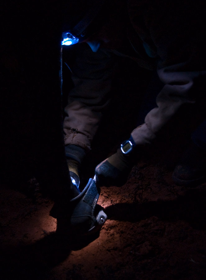 Easyboot Gloves in the dark Moab